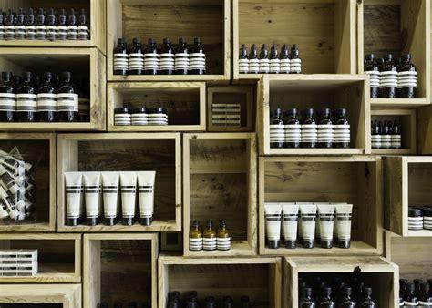 etagere murale cuisine leroy merlin palettes et cagettes c 39 est tendance ecolo deco design