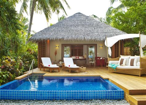 lookandlovewithlolo lets    maldivesbaros maldives kolam renang rumah kayu bungalo