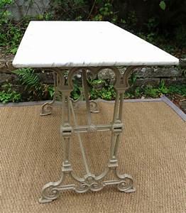 Table Marbre Rectangulaire : table en marbre de jardin table de lit a roulettes ~ Teatrodelosmanantiales.com Idées de Décoration