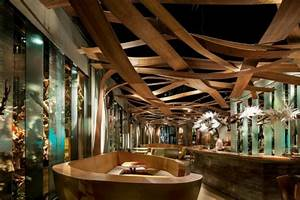 Holz Dekoration Modern : ein design vom restaurant ikibana paral restaurant ~ Watch28wear.com Haus und Dekorationen