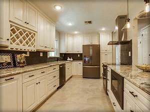 Charleston Antique White Kitchen Cabinets
