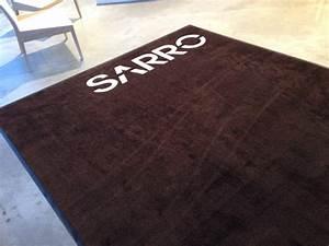 Tapis Grand Format : un joli tapis personnalis grand format pour les cuisines sarro gosselies ~ Teatrodelosmanantiales.com Idées de Décoration