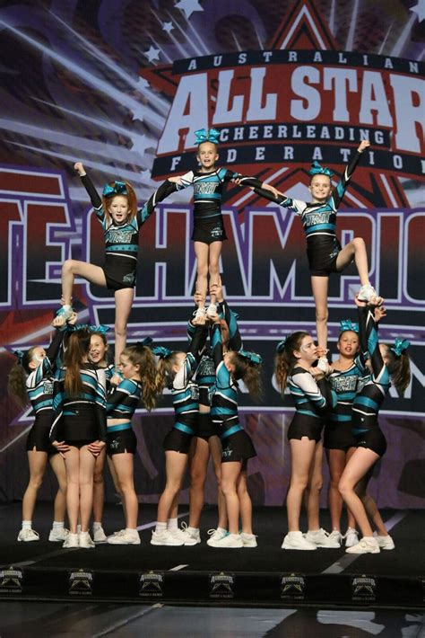 competitive cheerleading tnt  stars cheerleading perth