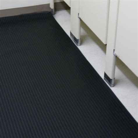 """Corrugated Composite Rib"" Rubber Runner Mats   The Rubber"