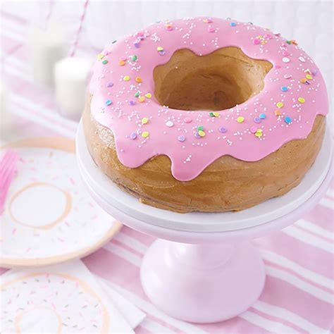 Giant Donut Cake | The Cake Blog