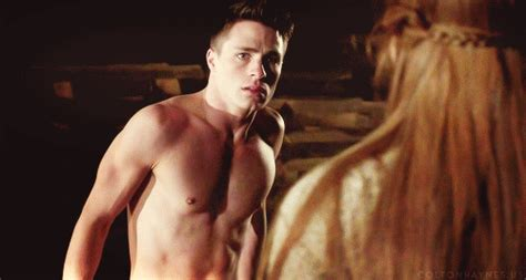 He Also Looks Great Shirtless Arrow Sexy S