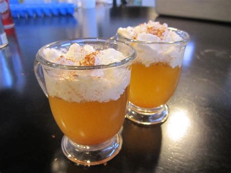 It's one shot wednesday and this week we bring a great. Shot of the Week: The Apple Pie Shot (With images) | Apple pie shots, Apple pie, Yummy drinks
