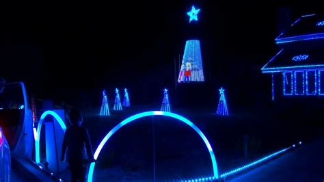Watch dazzling California Christmas light show set to The ...