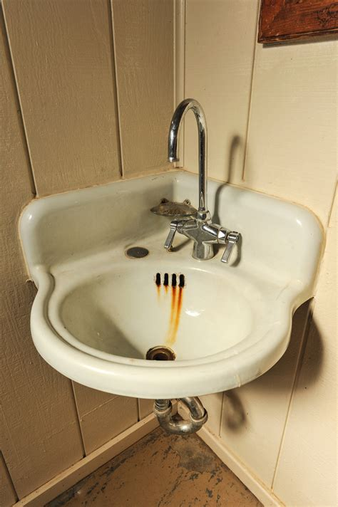 how to remove rust stains from sink how to remove rust stains from toilets and sinks a1 well