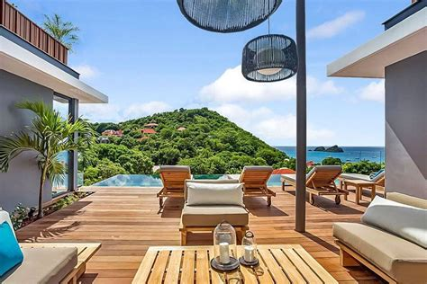 airbnb acquires vacation rental company luxury retreats