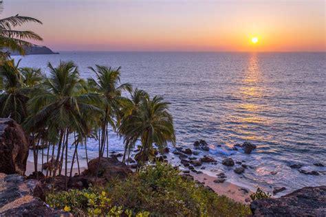 goa january sunset weather christmas visit vagator india places april beach fantastic idea travel reasons most miss chapora beaches november