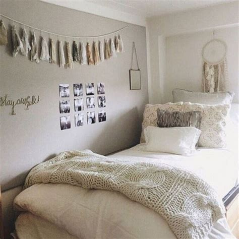 Cozy Fall Bedroom Decoration Ideas 8410 DECOOR