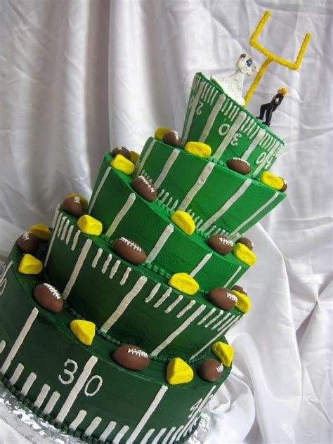 packers wedding dress sports wedding green bay packers wedding cake 2062802