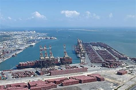 jamaica launches plans  global supply  logistics hub