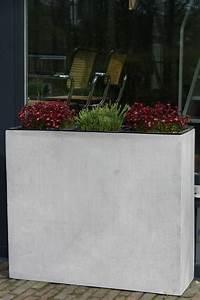 Blumenkübel Selber Machen : die besten 25 blumenk bel beton ideen auf pinterest selbstgemachte deko aus beton gartendeko ~ Markanthonyermac.com Haus und Dekorationen