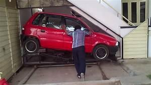 Garage Pour Voiture : petit garage sous l 39 escalier ~ Voncanada.com Idées de Décoration