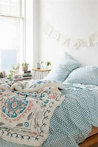 Les dernieres tendances en housses de couette 51 images for Chambre à coucher adulte avec housse de couette motif ange