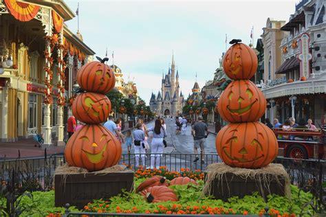 magic kingdom halloween decorations  vegas girl  heart