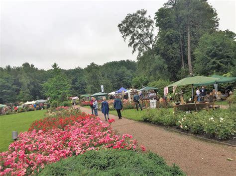 Garten Und Landschaftsbau Rosengarten by Und Pflanzenmarkt Im Rosenpark Pinneberg