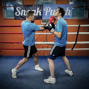 The Right Uppercut - How to Box (Quick Videos) - Learn ...