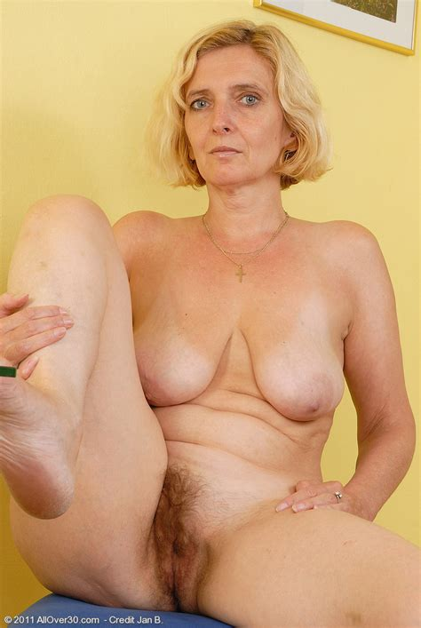 All Natural Blonde Hillary Spreading Her Old Hairy Pussy