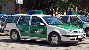 File:German police car (Golf IV Variant).jpg - Wikimedia ...