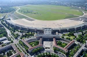 Kommentar Zum Tempelhofer Feld Hektische Baupolitik