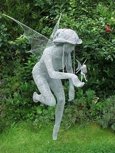 Gartenskulpturen Selber Machen : gartenelfen aus kaninchendraht nur foto garten diy deko ideen skulpturen garten und draht ~ Frokenaadalensverden.com Haus und Dekorationen