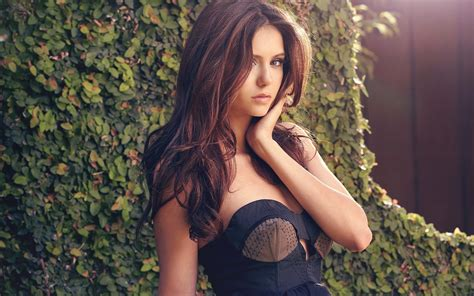 Nina Dobrev Wallpapers, Pictures, Images