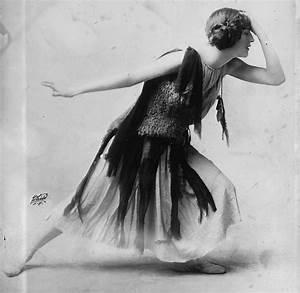 History Is Elementary: 13 Things About Flappers