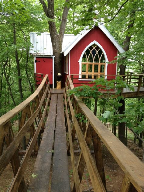 awesome mohican treehouses  located  ohio