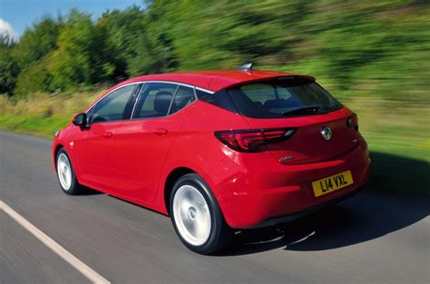 vauxhall astra 2017 vauxhall astra review 2017 autocar