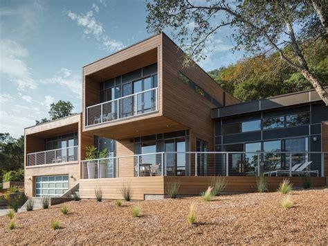 company  lets  custom design  dream home