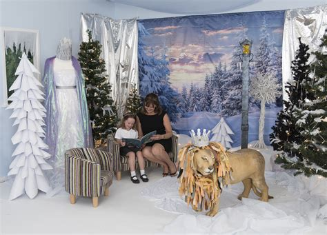 create  frozen narnia themed immersive environment
