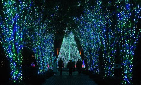 where to see lights in and around buckhead