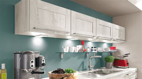 cuisine bleu clair cuisine quelle couleur associer avec le bois darty vous