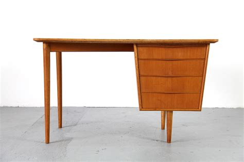 Small Mid Century Modern Desk 1950s For Sale At Pamono