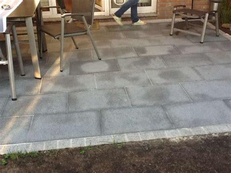 granitpflaster verlegen kosten bau de forum balkon und terrasse 12040 feuchte flecken granit terasse