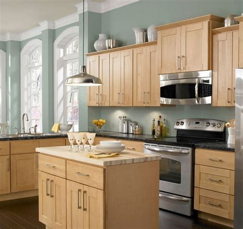 kitchen colors maple cabinets best 25 popular kitchen colors ideas on 6578