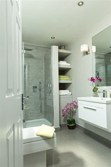 Small Storage Shelves For Bathrooms by Best 25 Small Bathroom Shelves Ideas On