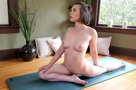 Hot Babe Casey Calvert Does Naked Yoga On The Floor Milf Fox