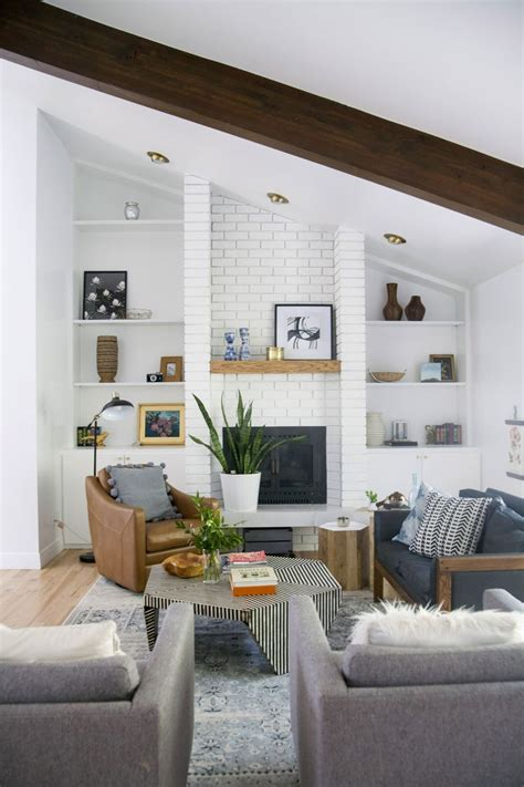 Narrow Living Room Storage by Best 10 Narrow Living Room Ideas On