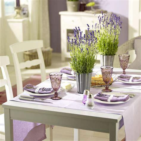 tischdeko mit lavendel lavendel deko dufte ideen f 252 r den sommer lecker de