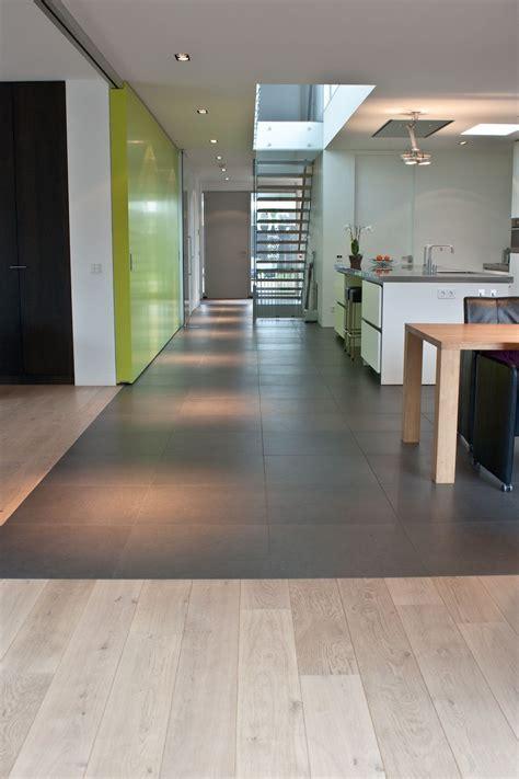 Boden Fur Kuche by Boden F 252 R K 252 Che Und Wohnzimmer In 2019 Ceramic Wood Tile