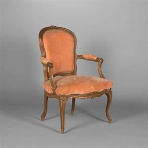 Cabriolet Fauteuil : trois fauteuils cabriolet d 39 epoque louis xv du xviiie ~ Melissatoandfro.com Idées de Décoration
