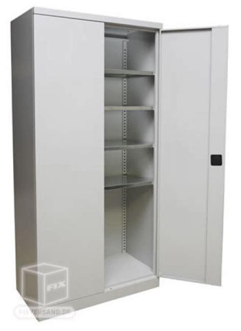 armoire metallique de rangement armoire de rangement m 233 tallique mobilier d atelier