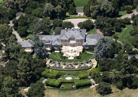 pictures monster billionaire mansions