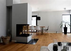Offener Kamin Modern : haus a offener wohnbereich mit kamin als raumteiler ~ Buech-reservation.com Haus und Dekorationen