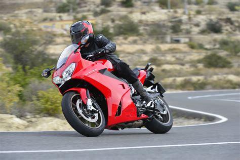 First Ride 2014 Honda Vfr800 Review Visordown