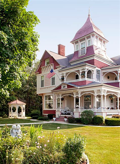 queen anne architecture traditional home